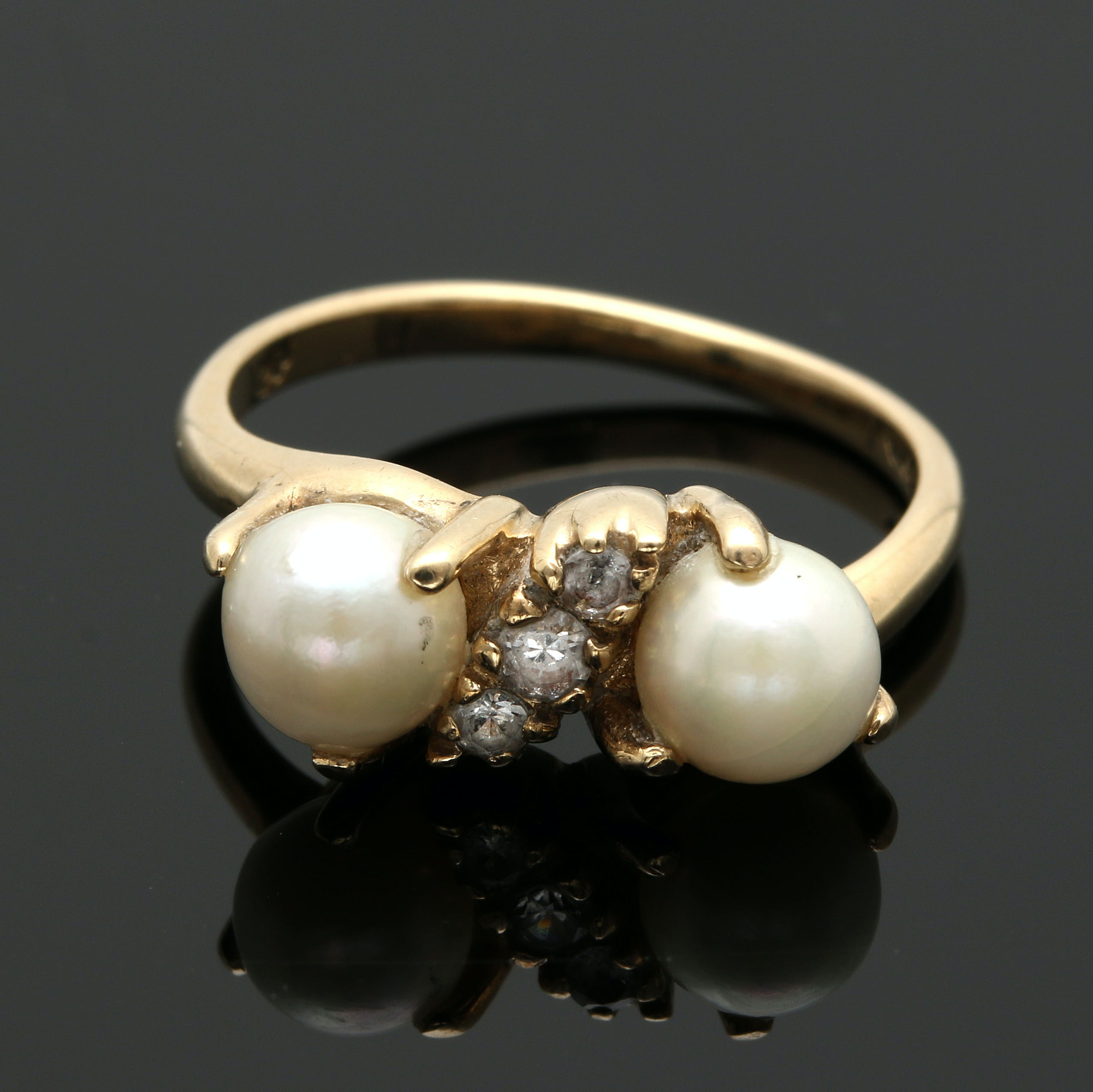 10K Yellow Gold Cultured Pearl and White Spinel Ring
