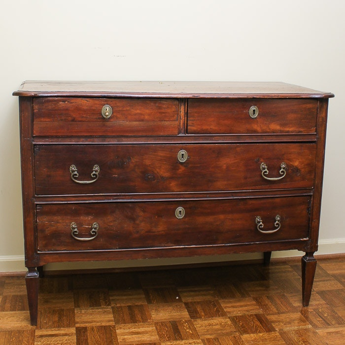 Antique Italian Neoclassical Walnut Chest of Drawers, Circa 1800
