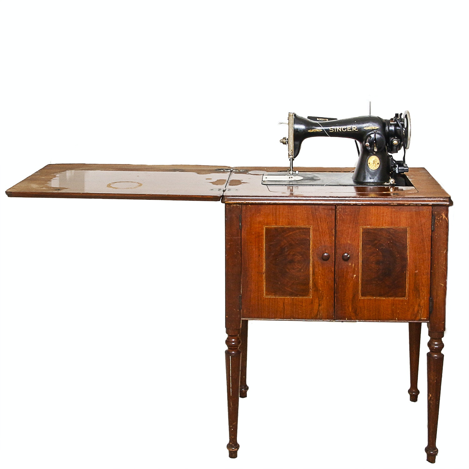 Vintage Singer Sewing Machine And Wood Cabinet ...