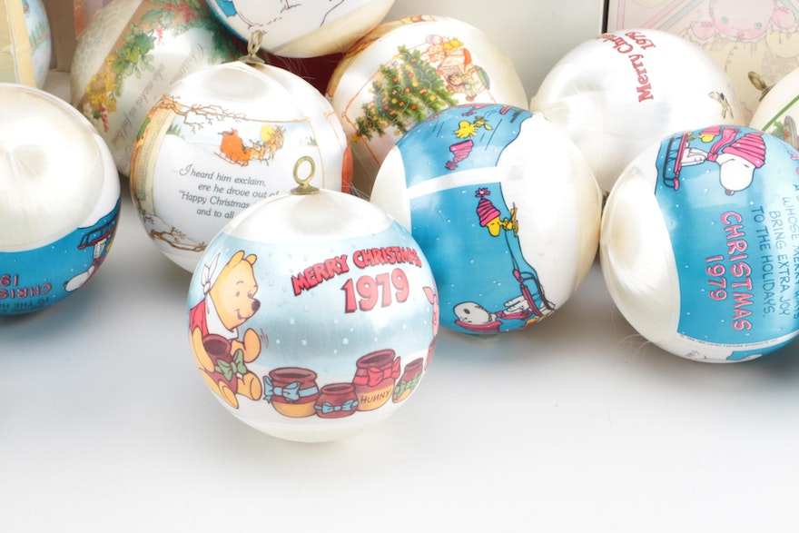 Collection of Late 1970s Christmas Ornaments   EBTH