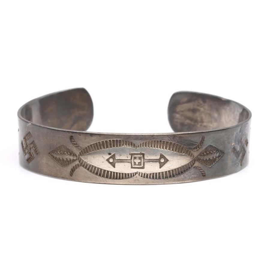sterling silver engraved arrow cuff bracelet ebth. Black Bedroom Furniture Sets. Home Design Ideas