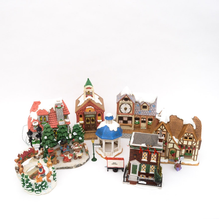 Christmas Houses Including Leftons Colonial Village And Dept