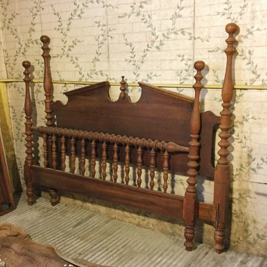 Antique Federal Style Full Size Walnut Bed Frame