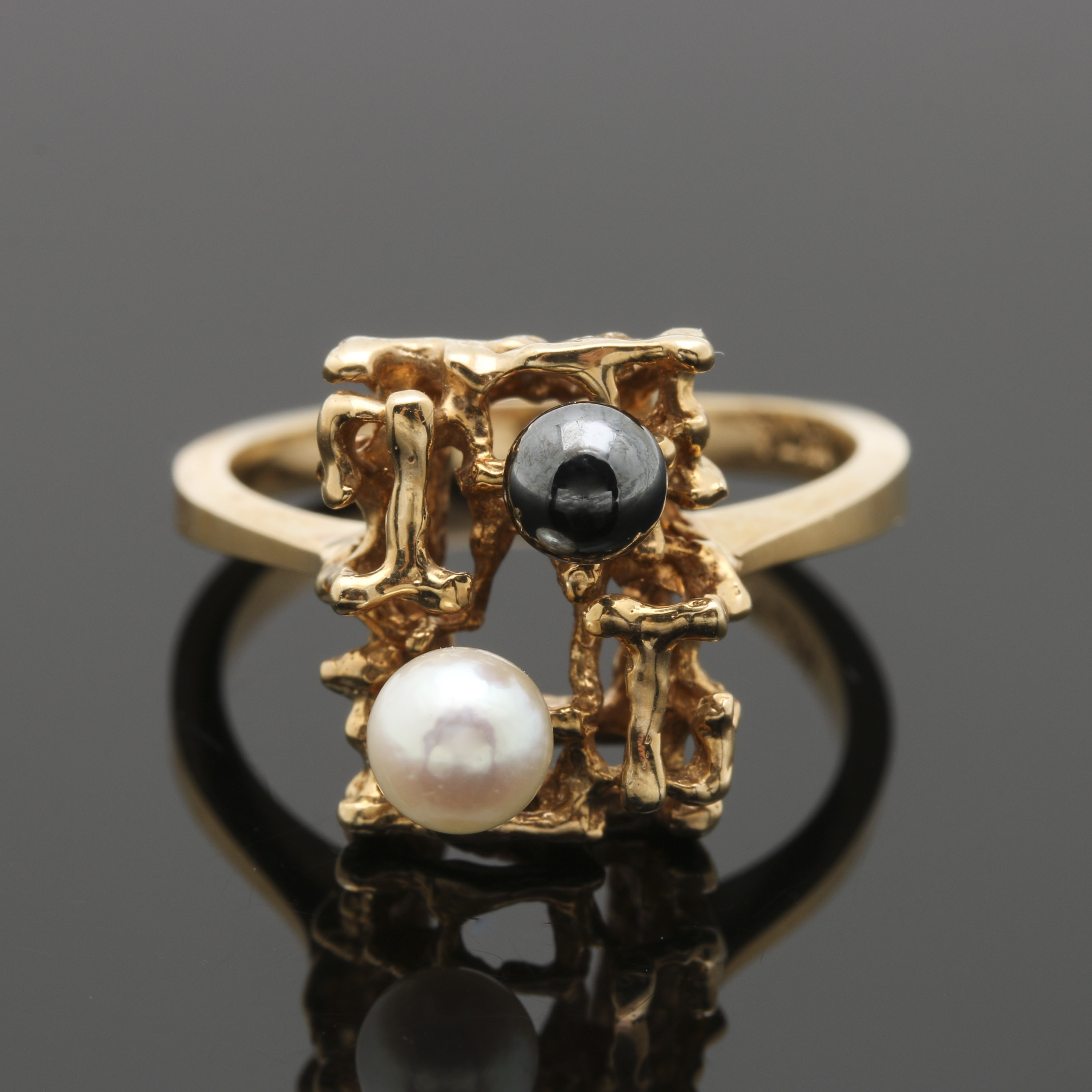 Circa 1960's-1970's 14K Yellow Gold Cultured Pearl Ring
