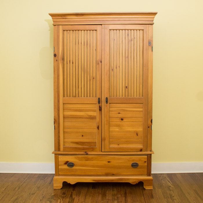 Pine Entertainment Cabinet by American Drew
