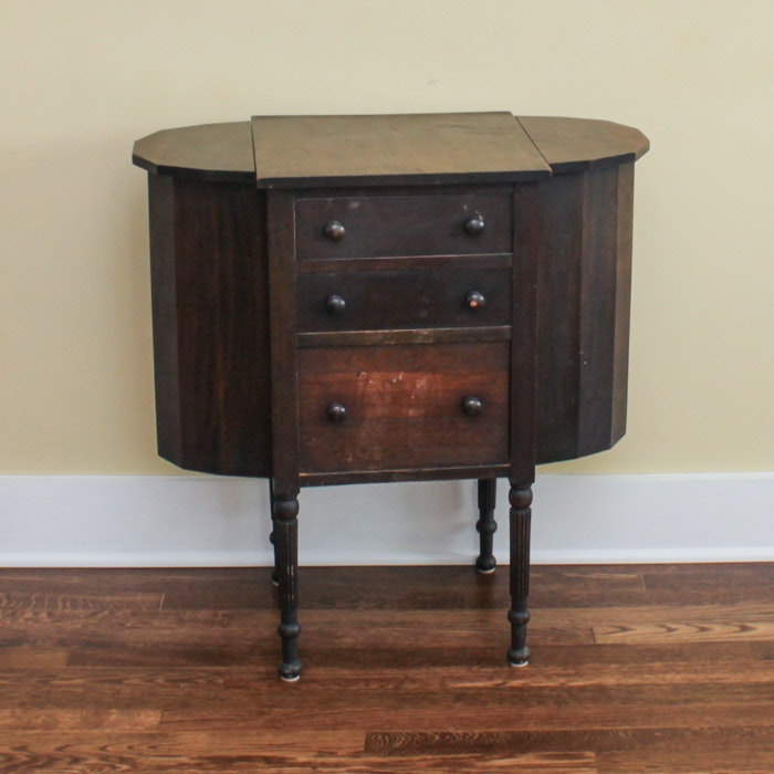 Mahogany Federal Style Worktable