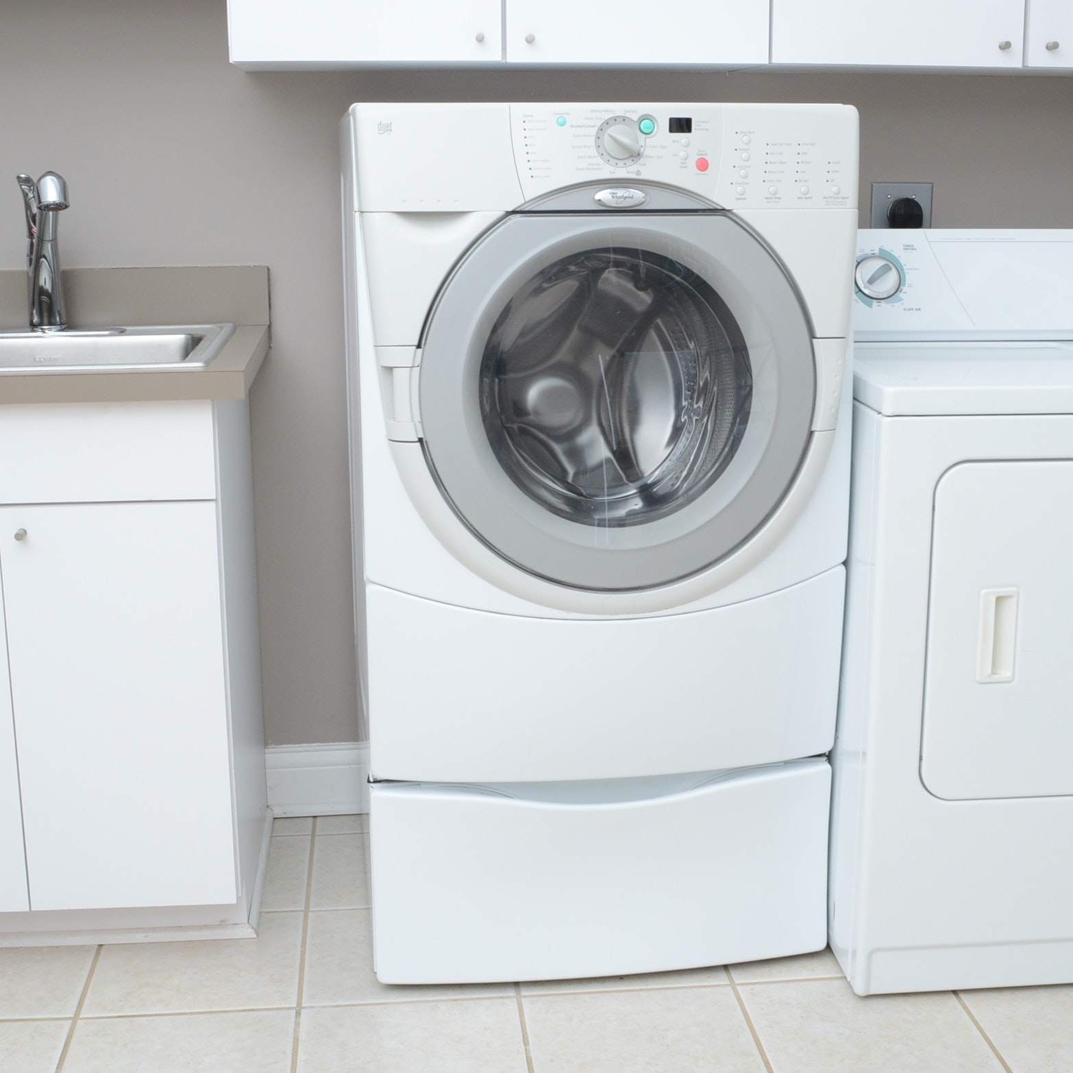 Whirlpool Duet HT Front Loading Washer