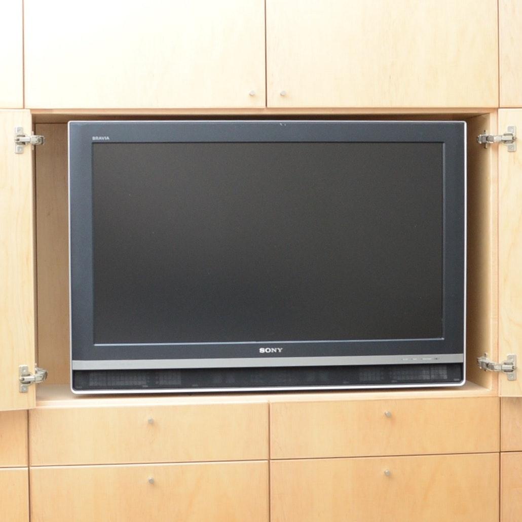 Sony Bravia XBR LCD Television