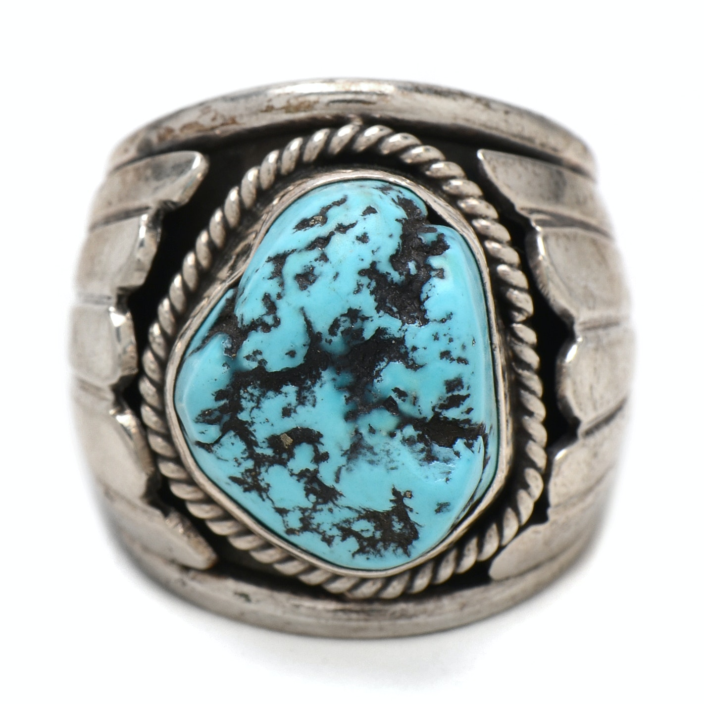 Native American Style 800 Silver Dyed Magnesite Ring