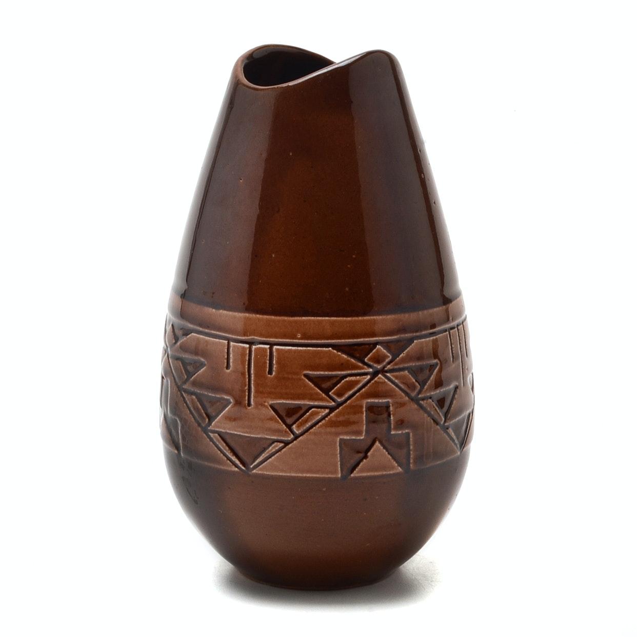 """""""Swift Eagle"""" Pottery Vase"""