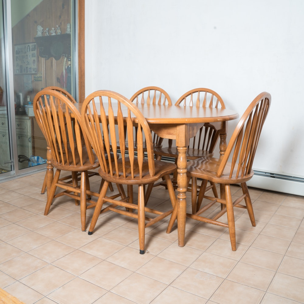 Traditional Oak Dining Table with Six Windsor Style Chairs