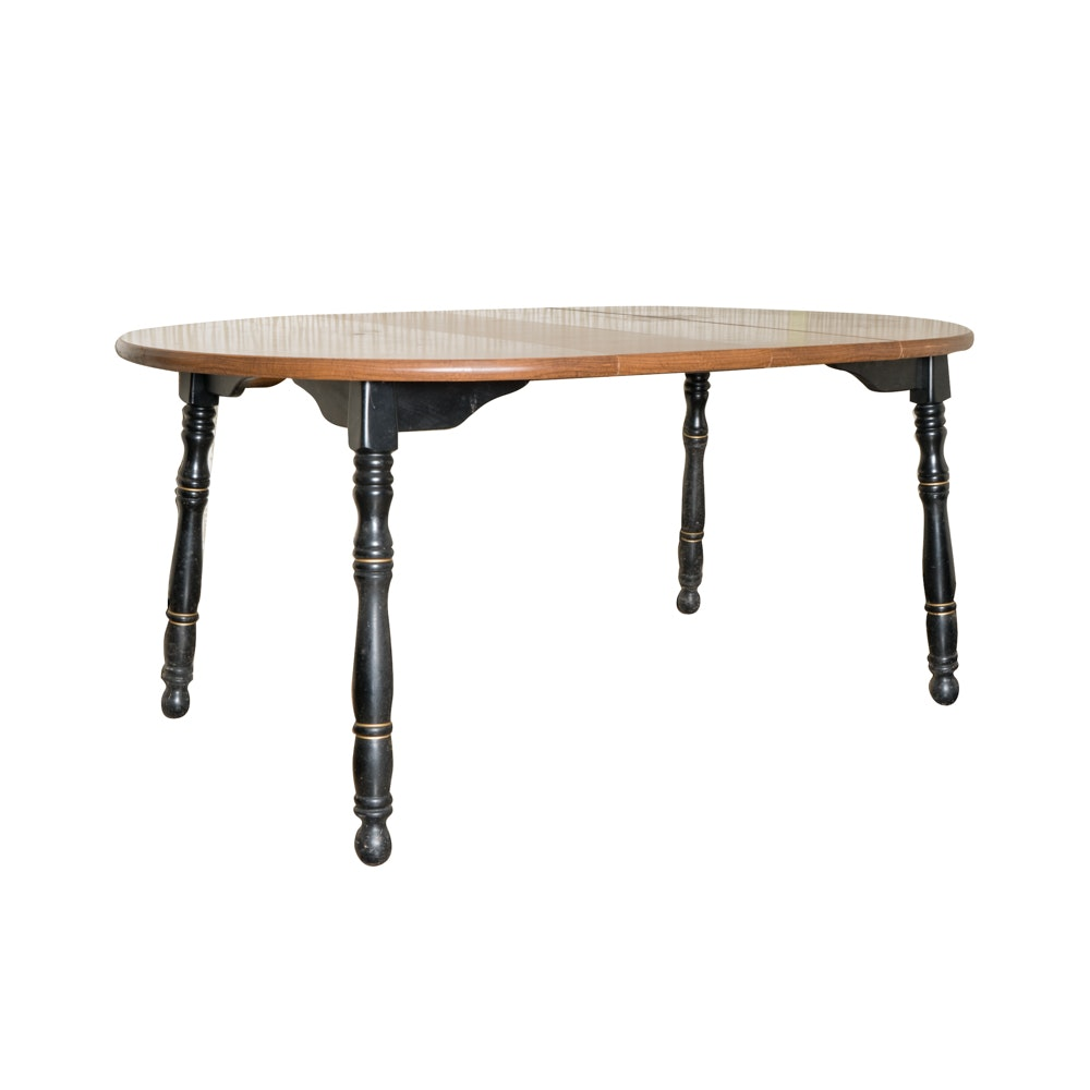 Traditional Style Oval Dining Table with Turned Legs