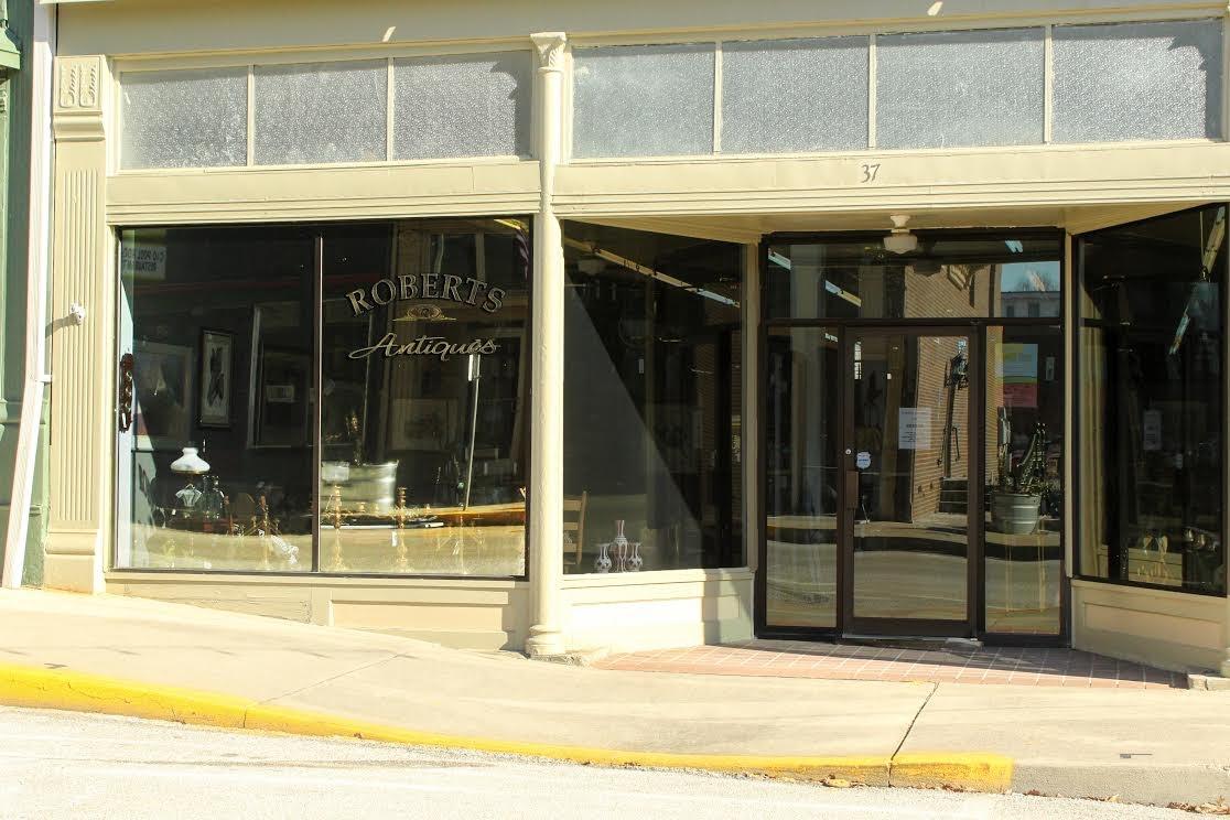 Roberts Antiques Store