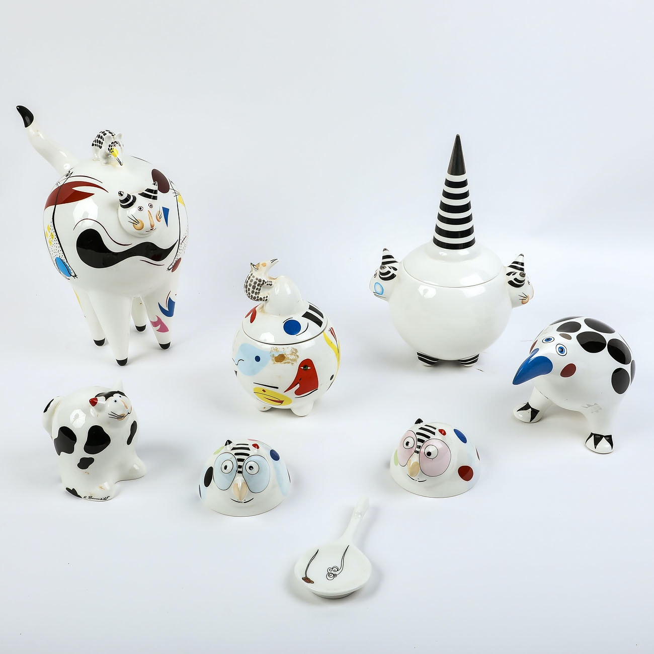 """Villeroy and Boch """"Animal Park"""" Tableware Set and  Narumi Teabag rest"""