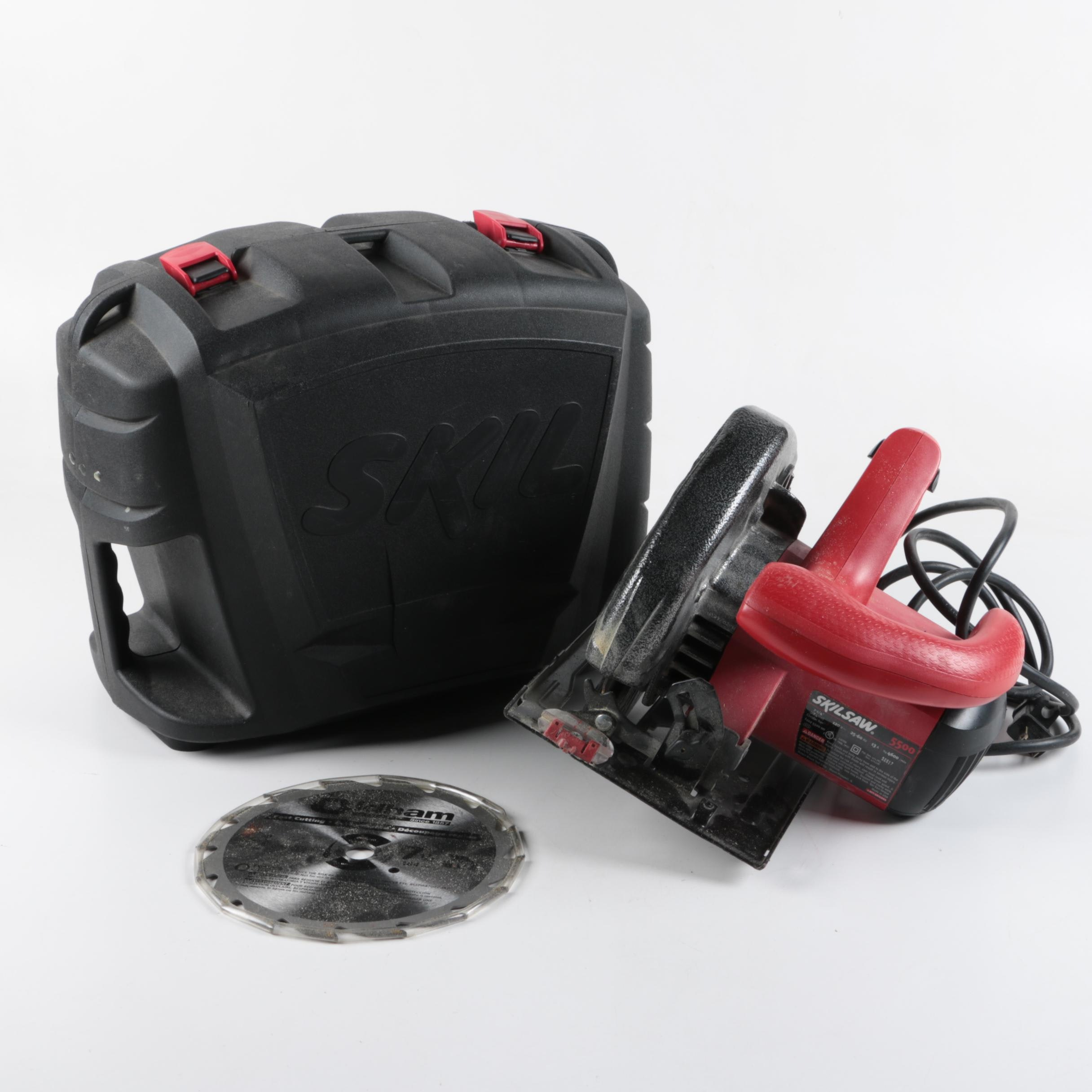Skilsaw with Case