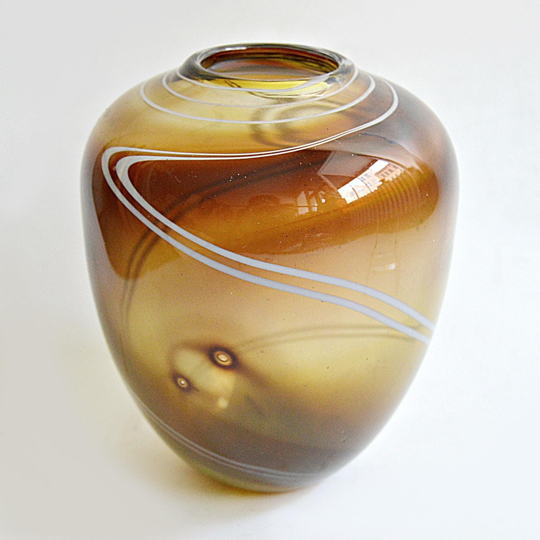 Vintage Barry Cullen Art Glass Vase