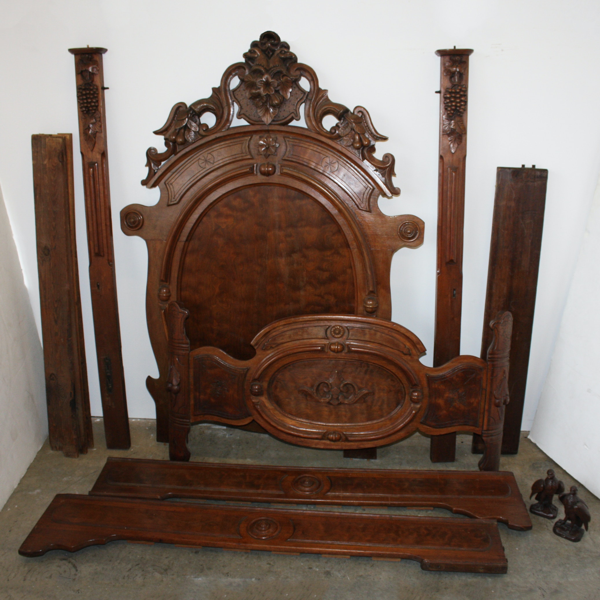Renaissance-Revival Bed with Carved Eagles