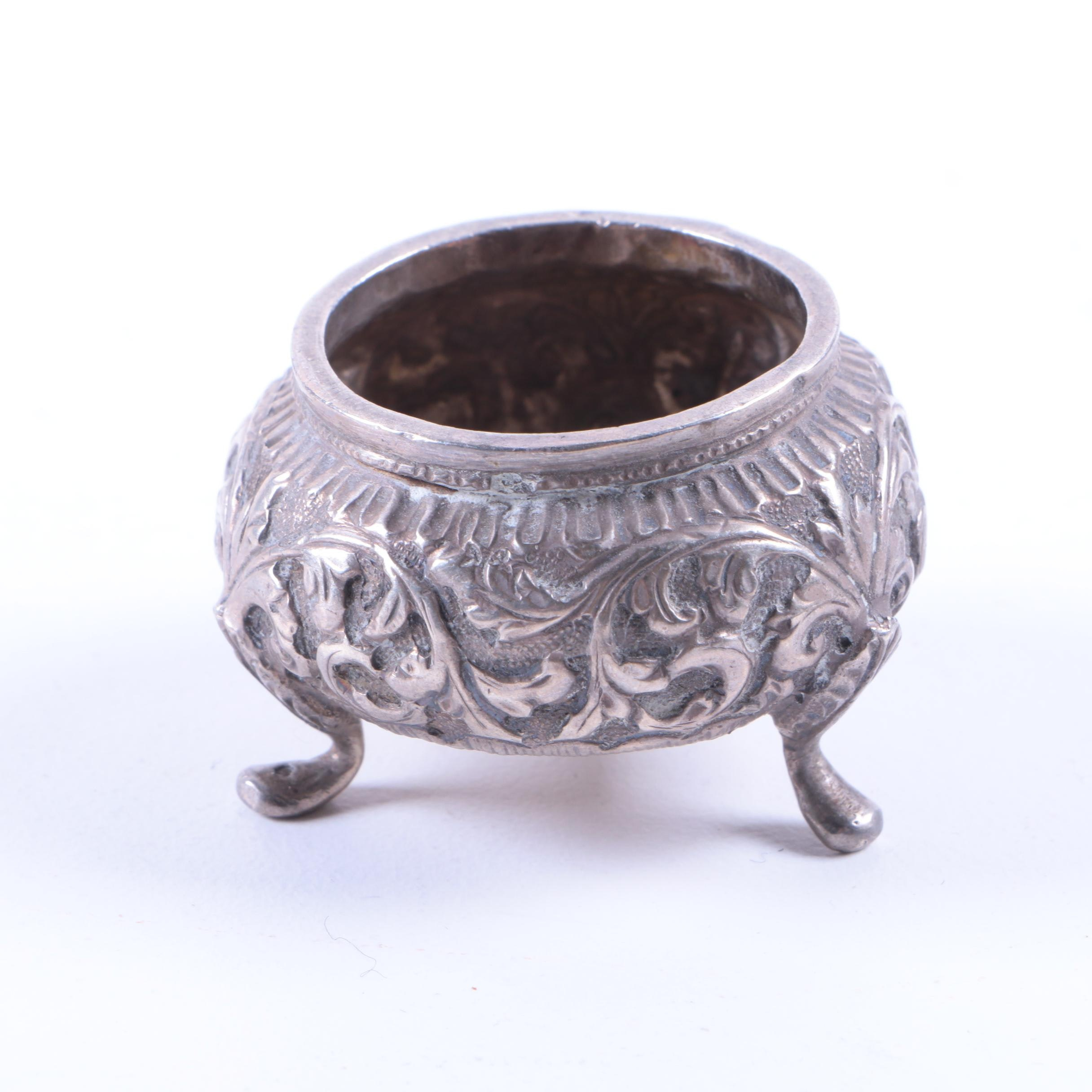 800 Silver Salt Cellar with Acanthus Leaf Accents