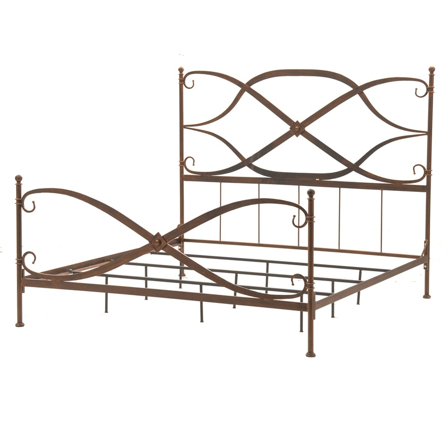 Contemporary King Size Metal Bed Frame : EBTH