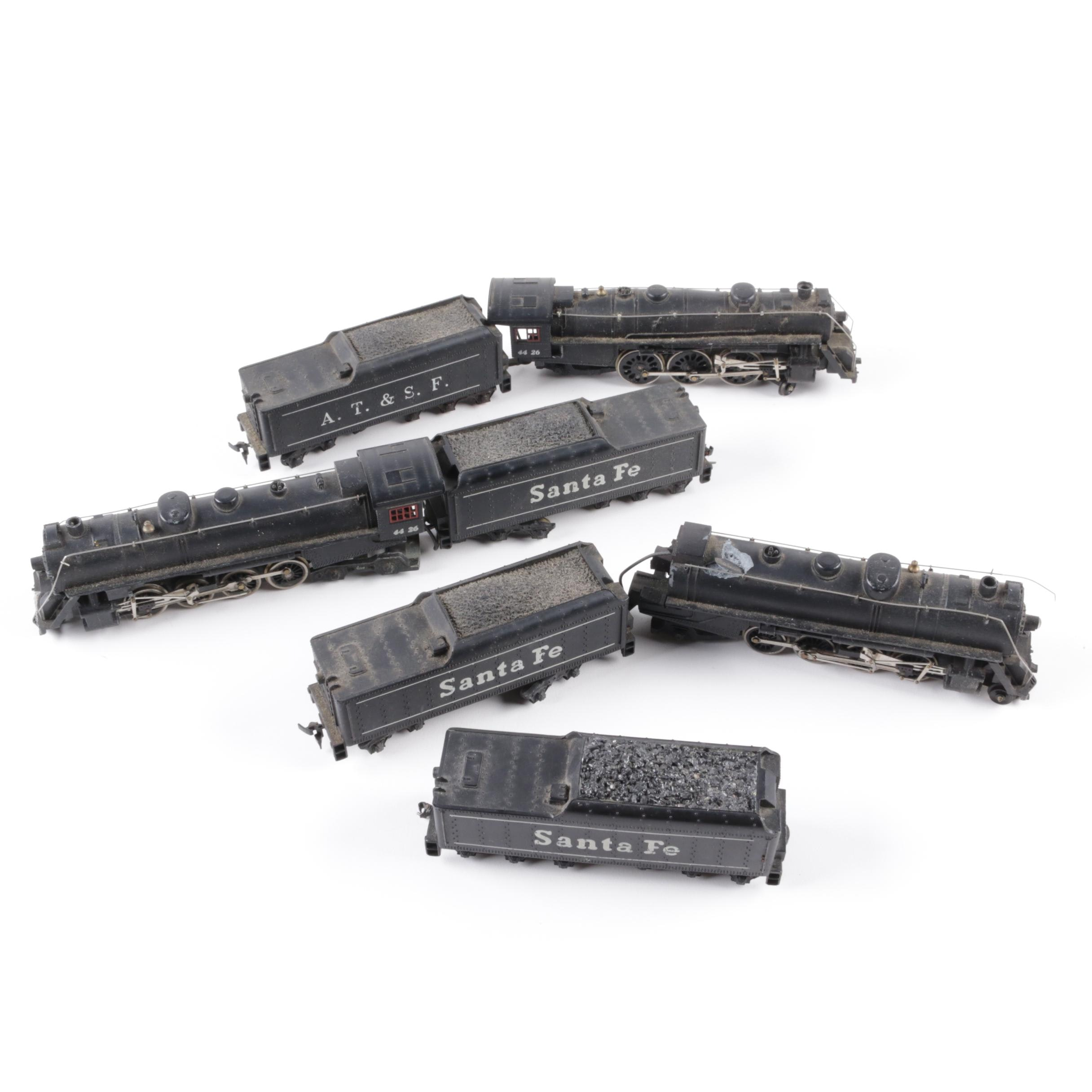 Model Atchison, Topeka and Santa Fe Engines and Cars