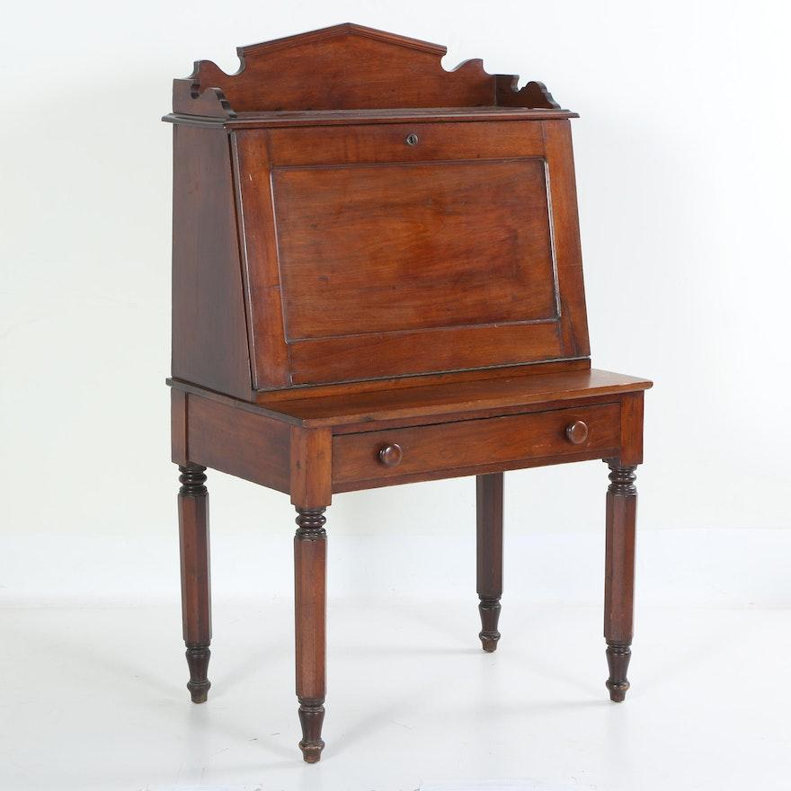 Antique Walnut Slant-Top Desk ... - Antique Walnut Slant-Top Desk : EBTH