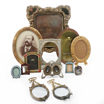 Vintage Picture Frames   Antique Art Frame Auctions in EBTH Select ...