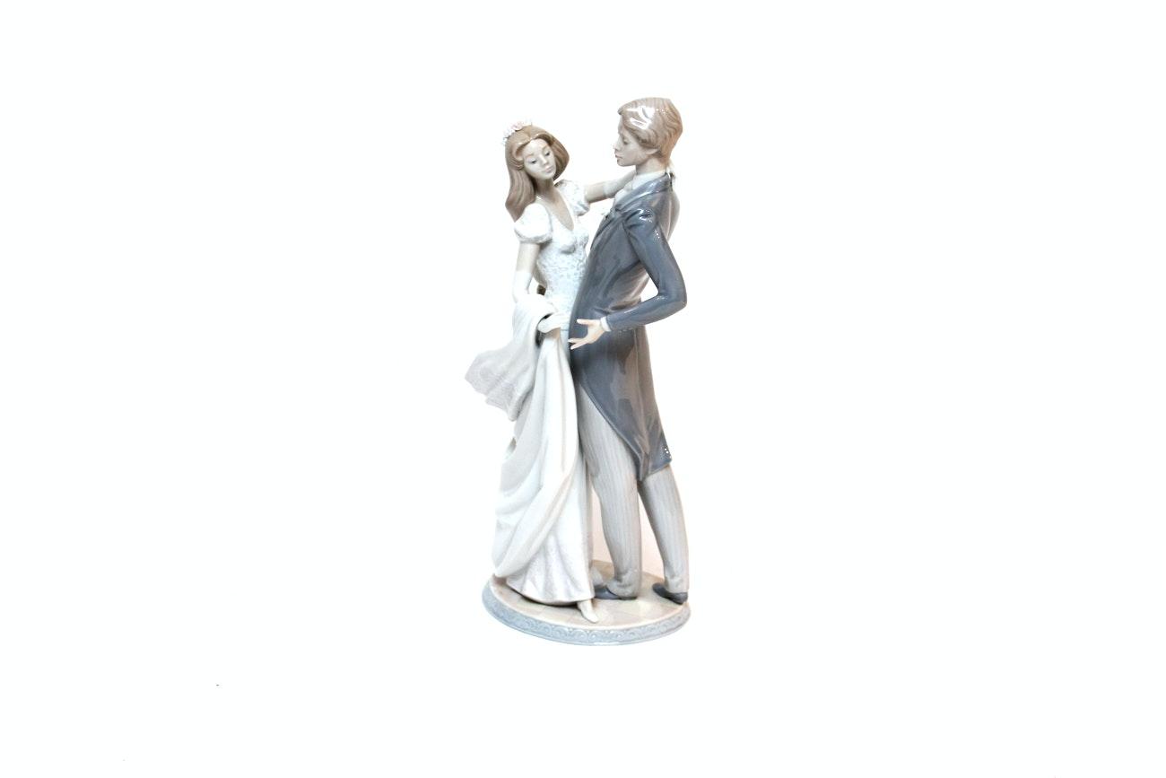 "Lladró ""I Love You Truly"" Porcelain Figurine"