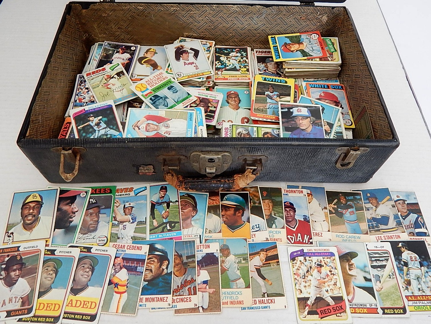 Vintage Briefcase Full of 1970s Baseball Cards