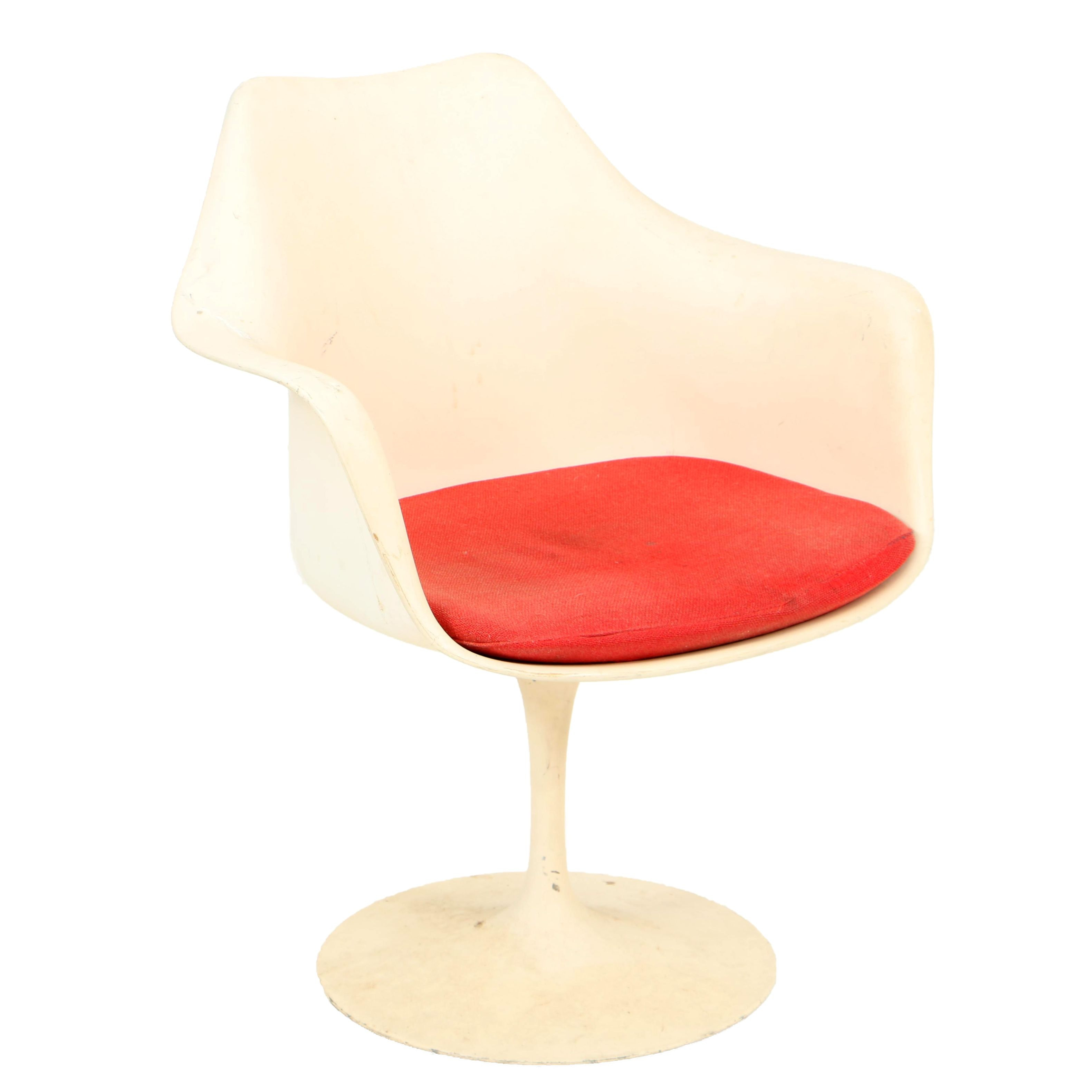 "Mid Century Modern ""Tulip"" Armchair by Eero Saarinen for Knoll"