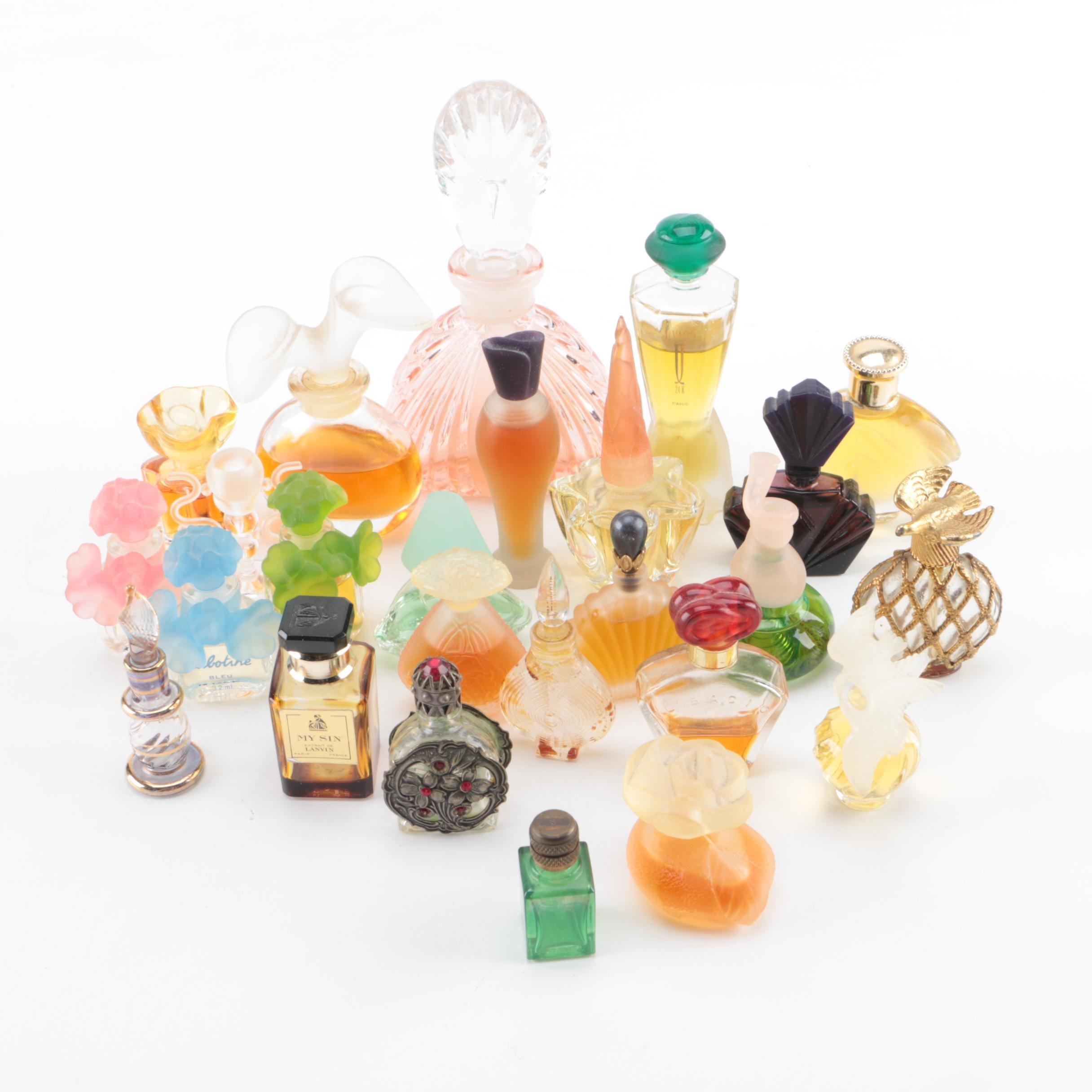Perfume Including Oscar de la Renta
