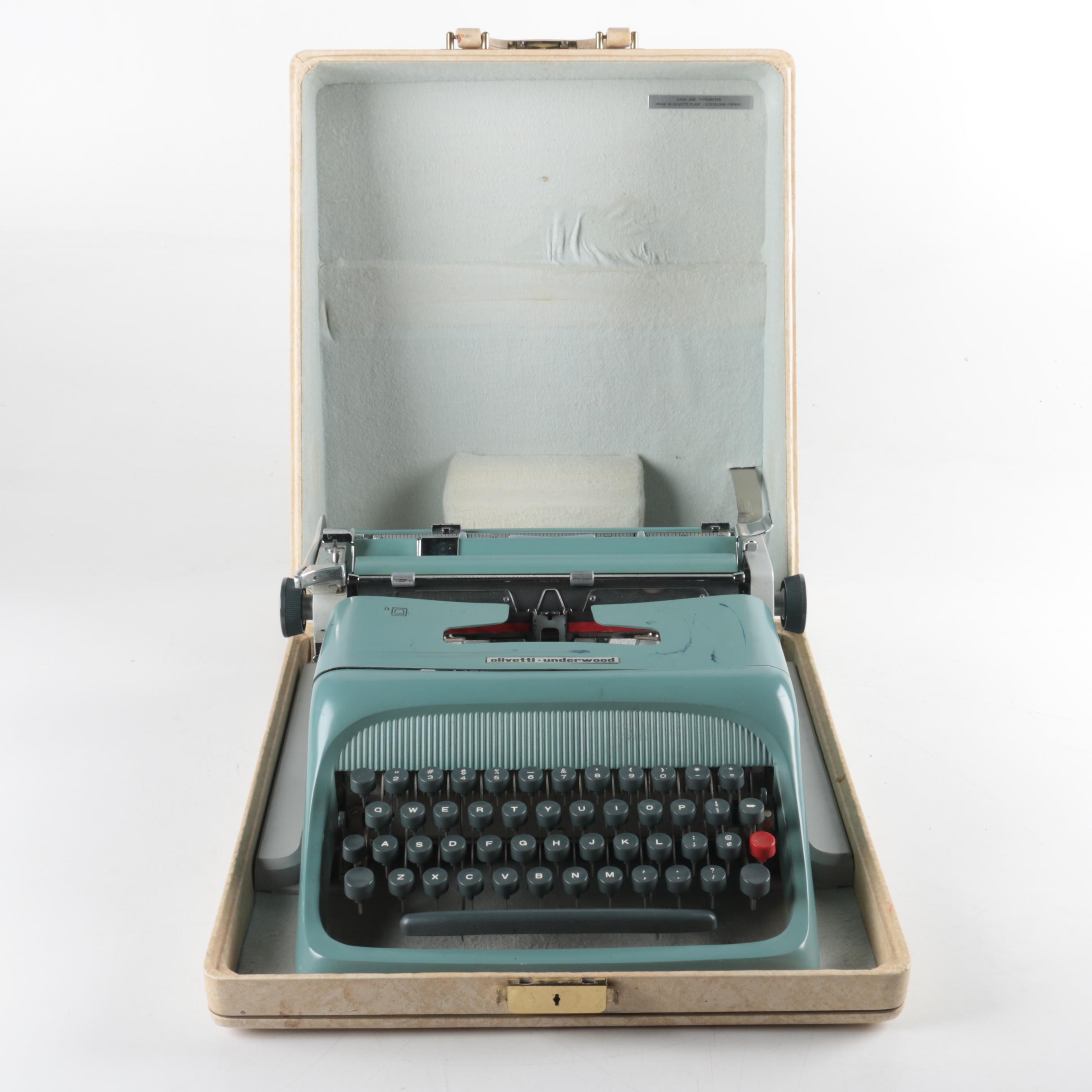 Vintage Olivetti-Underwood Typewriter