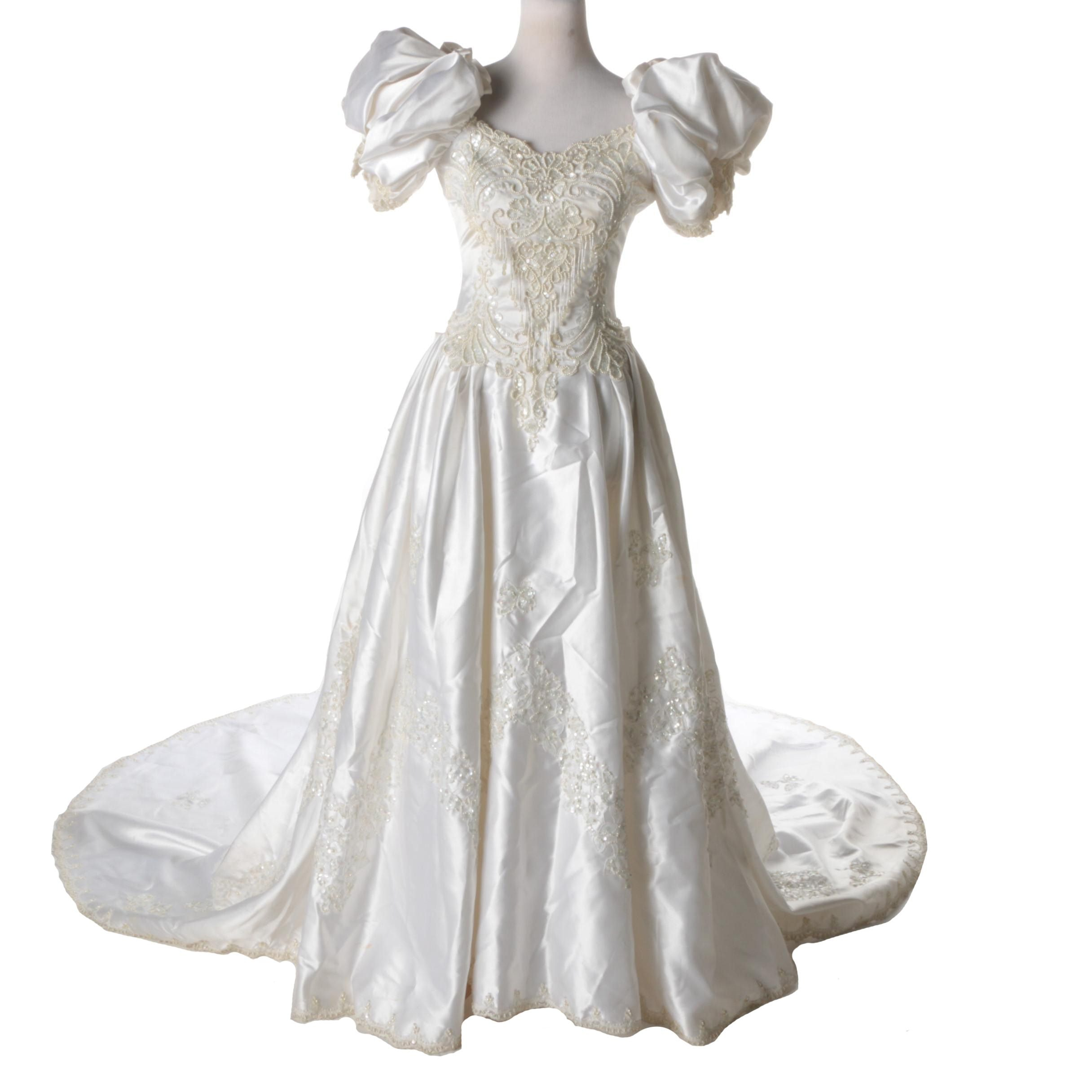 Circa 1980s Sweetheart Gowns Wedding Dress