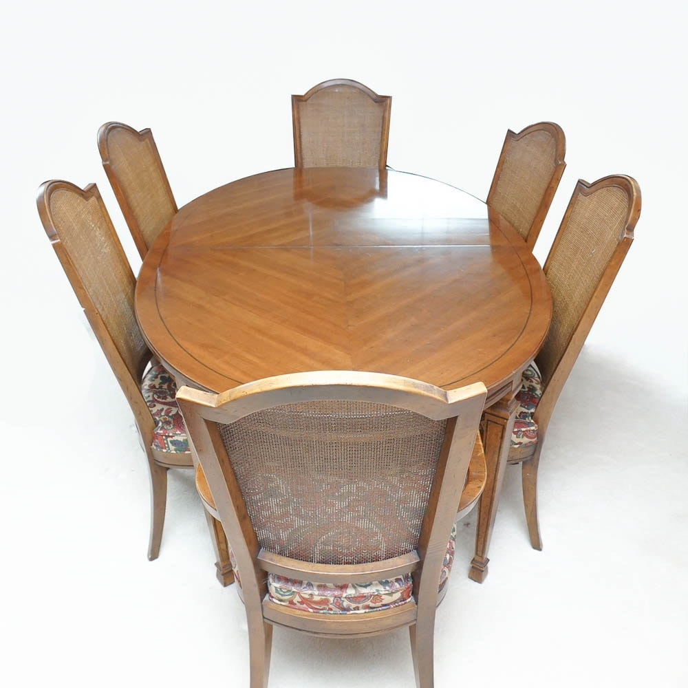 Mediterranean Style Dining Table and Chairs from Drexel-Heritage