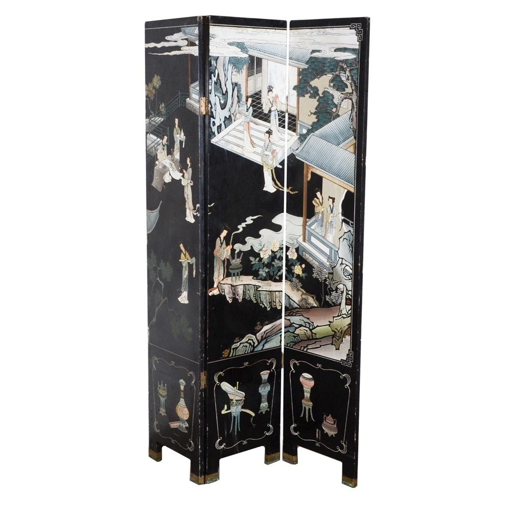 Chinese Three-Panel Coromandel Lacquer Folding Screen