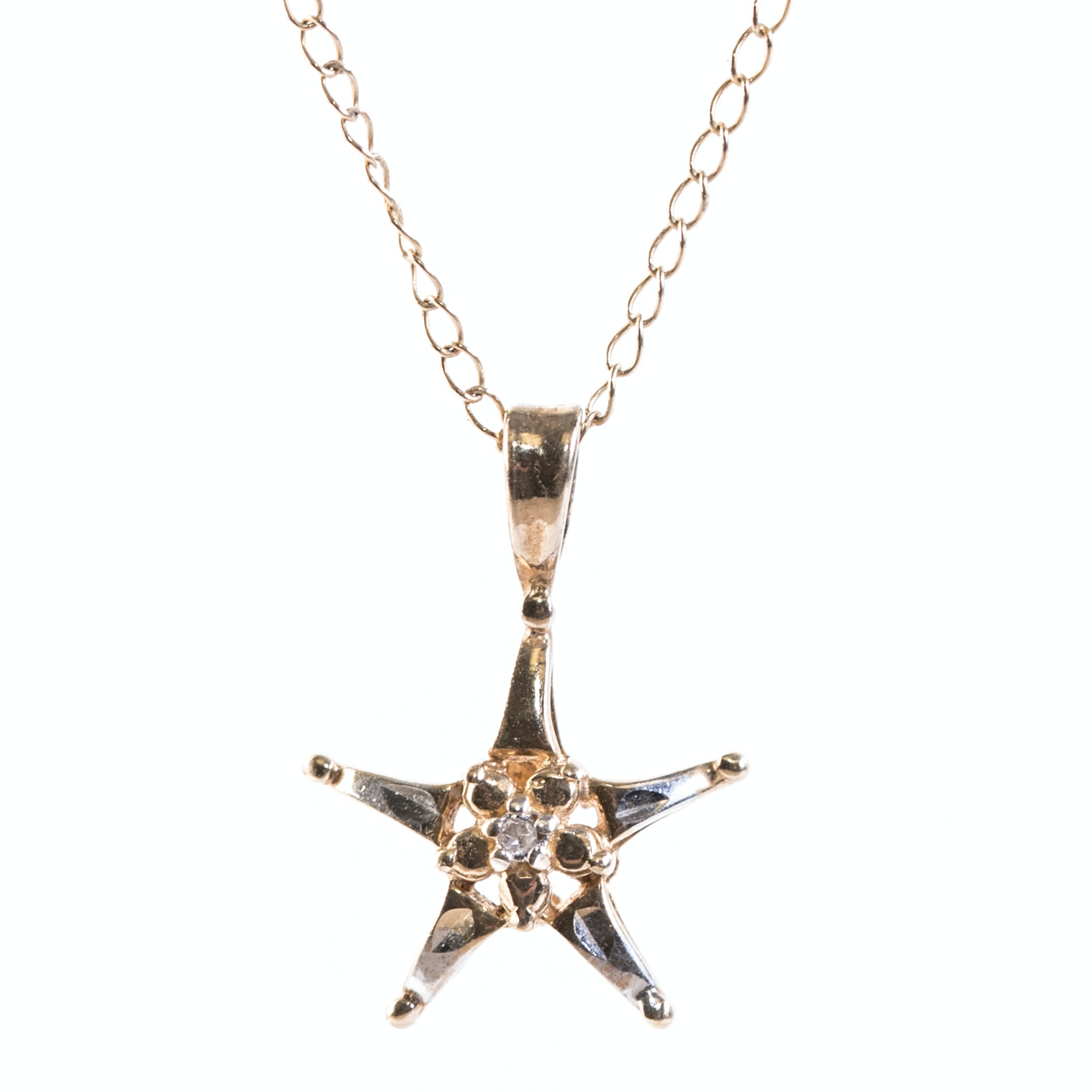 10K Yellow Gold Star Pendant Necklace