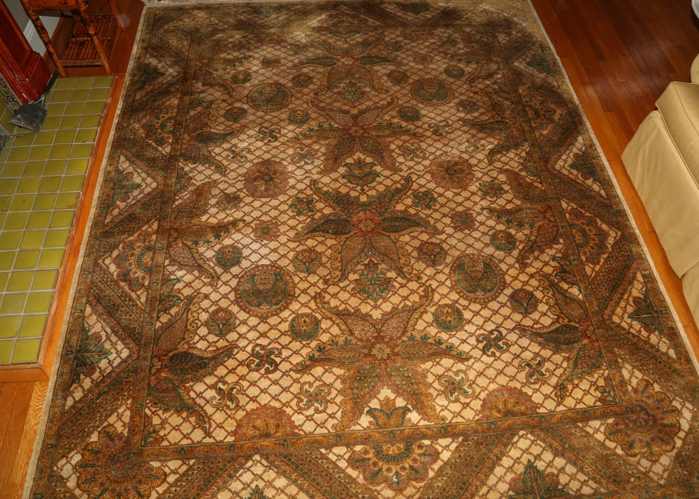 Finely Hand-Knotted Indian Wool Area Rug