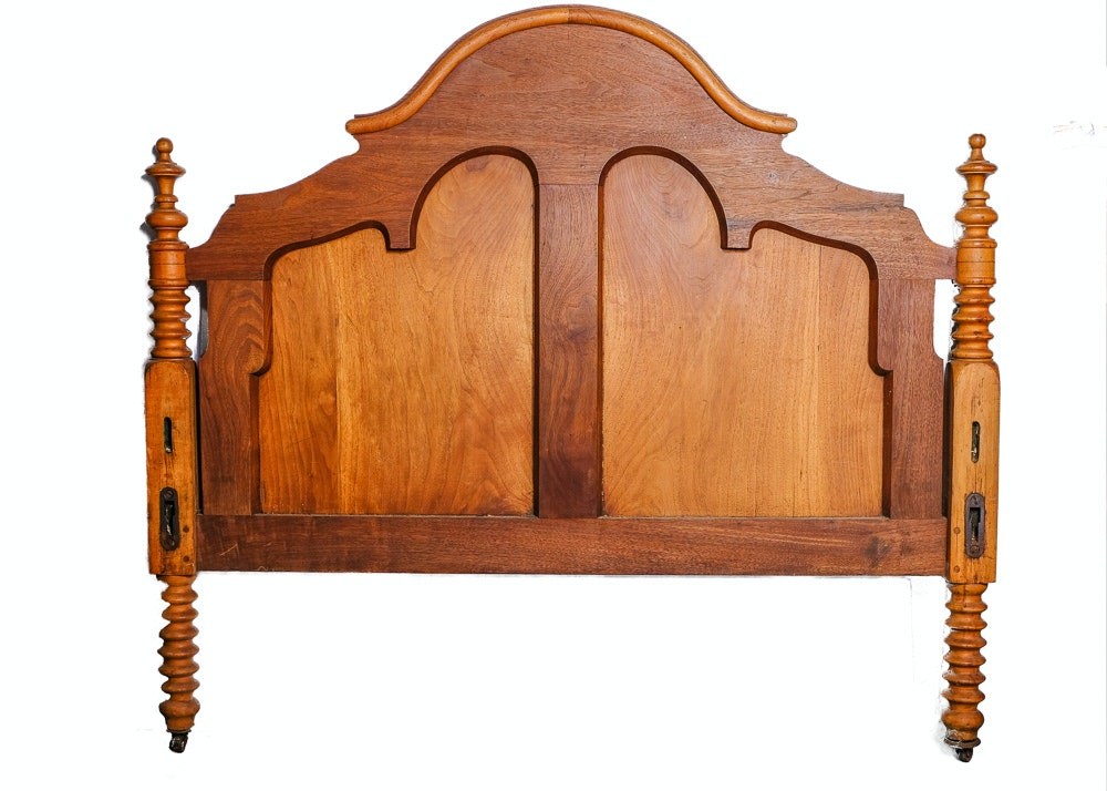 Victorian Walnut Bed Frame in Full-Size
