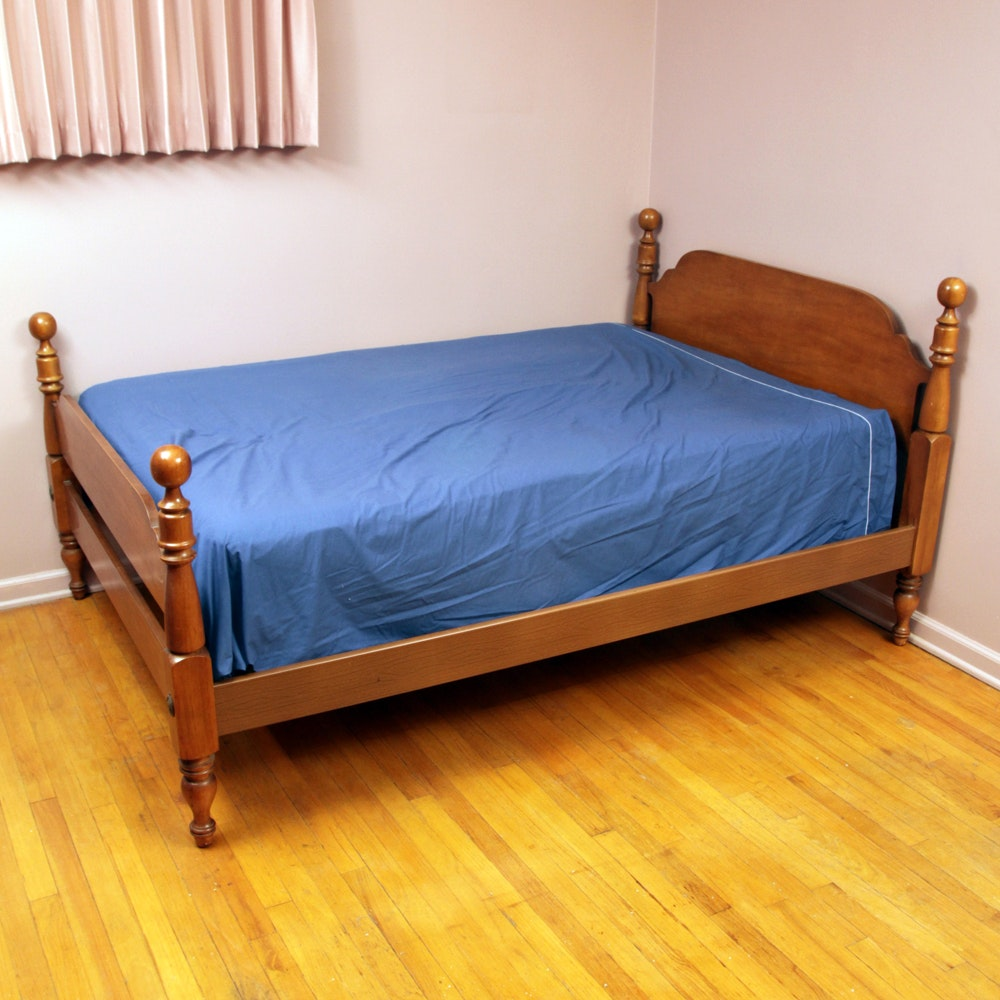 Colonial Style Full Size Bed by Dixie