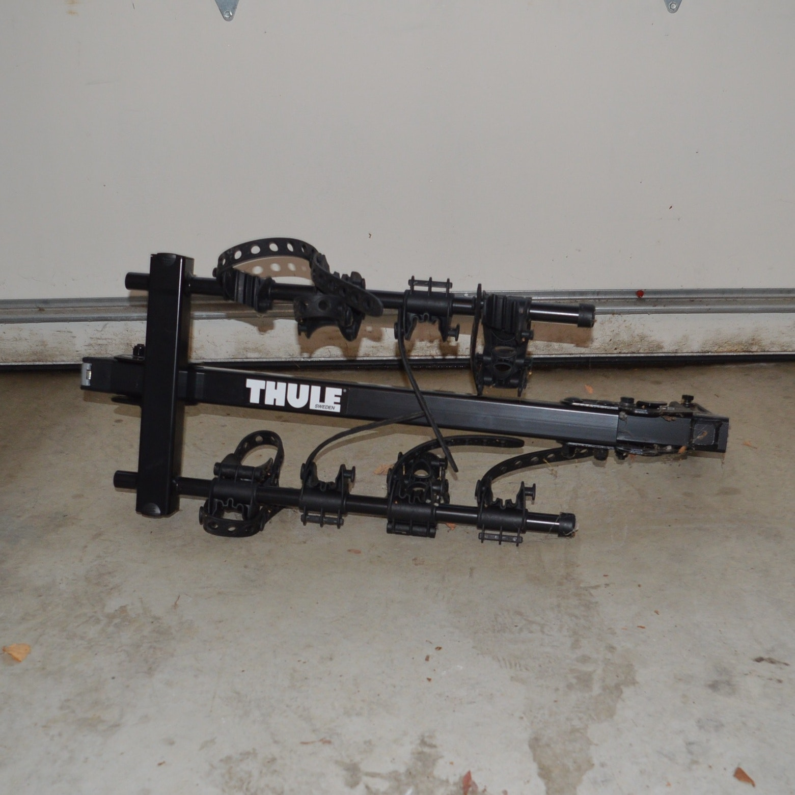 Thule Bicycle Rack (accommodates 3)