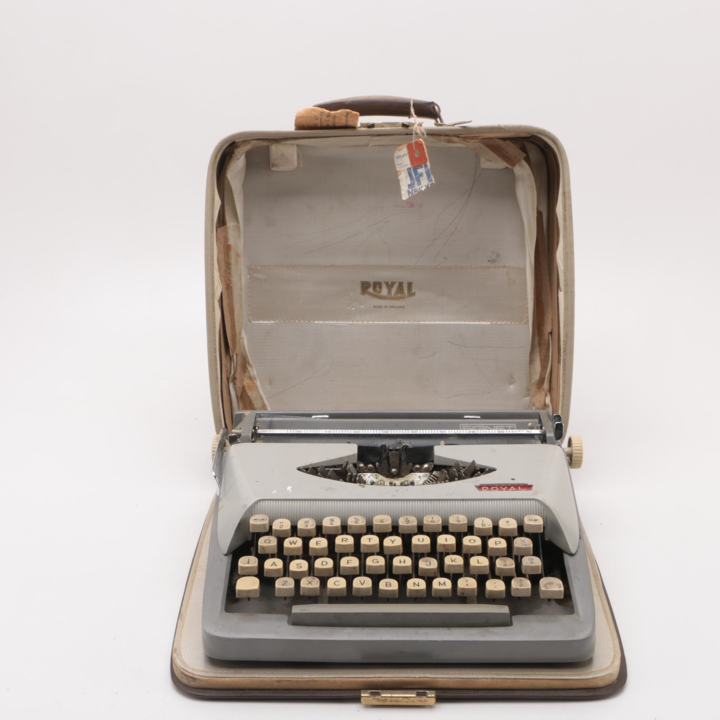 "Vintage Royal ""Signet"" Typewriter"