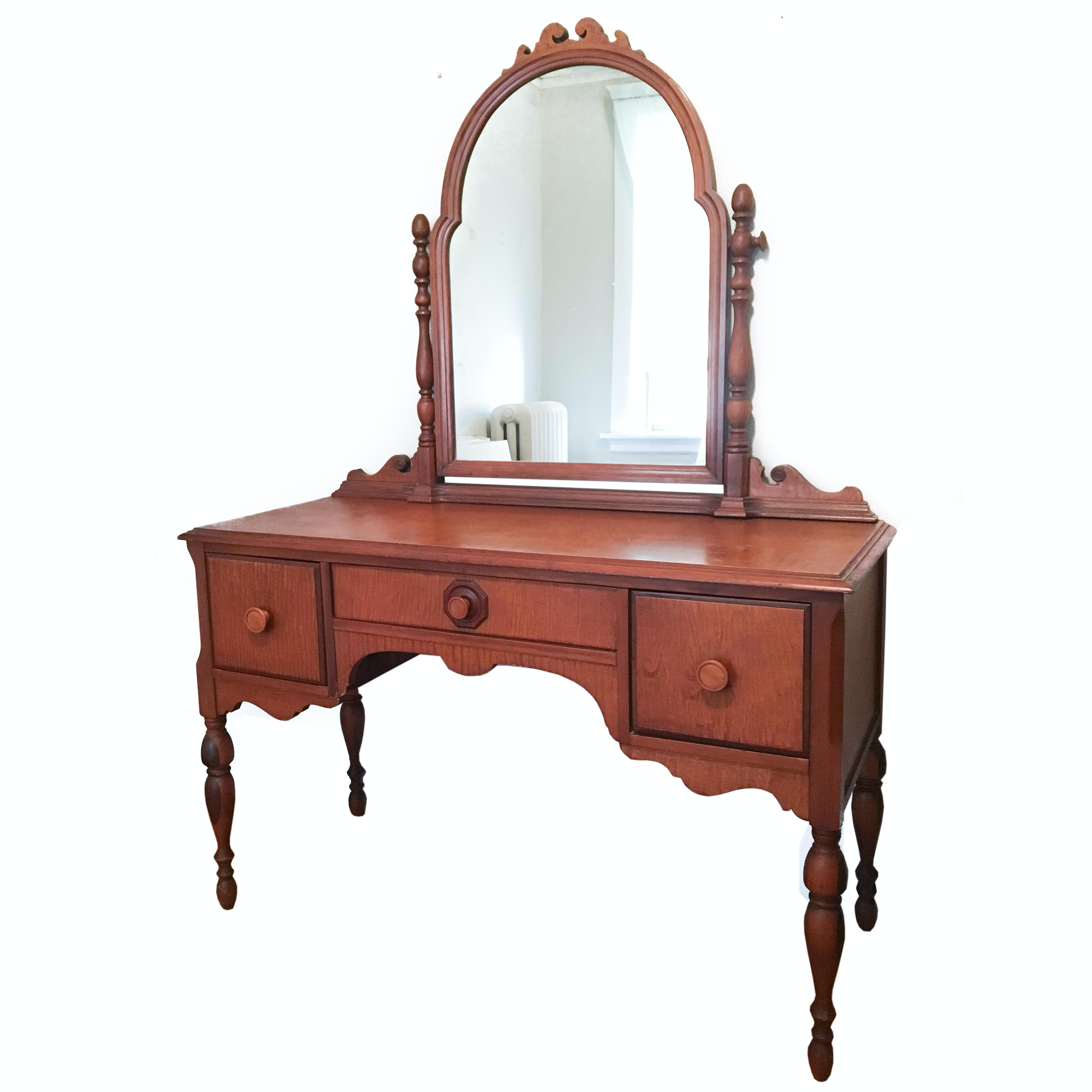 Maple Dressing Table With Mirror