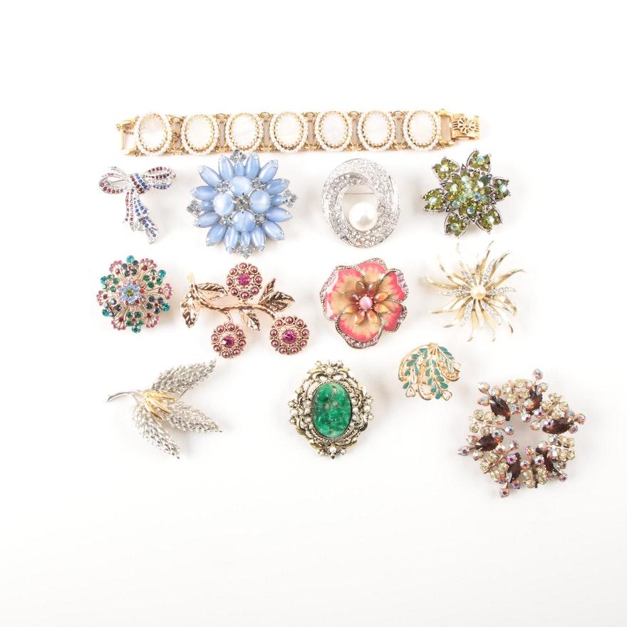 64d3a4423ec Assortment of Vintage Costume Jewelry Including Lisner : EBTH