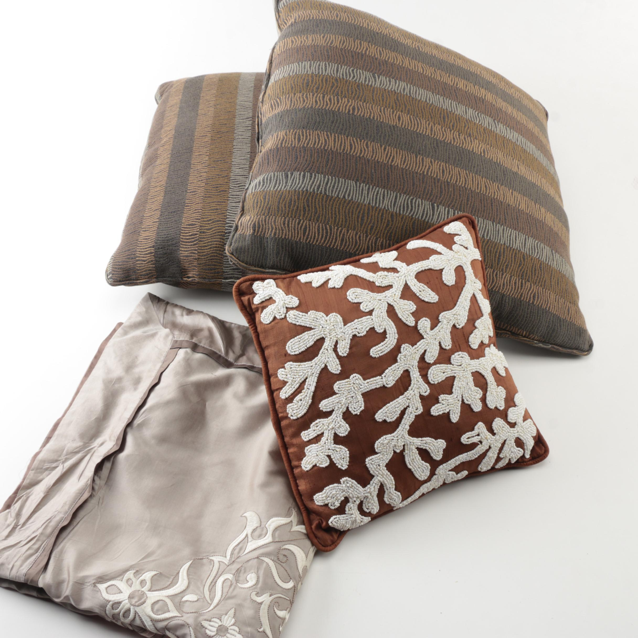 Accent Pillows and Decorative Pillowcase