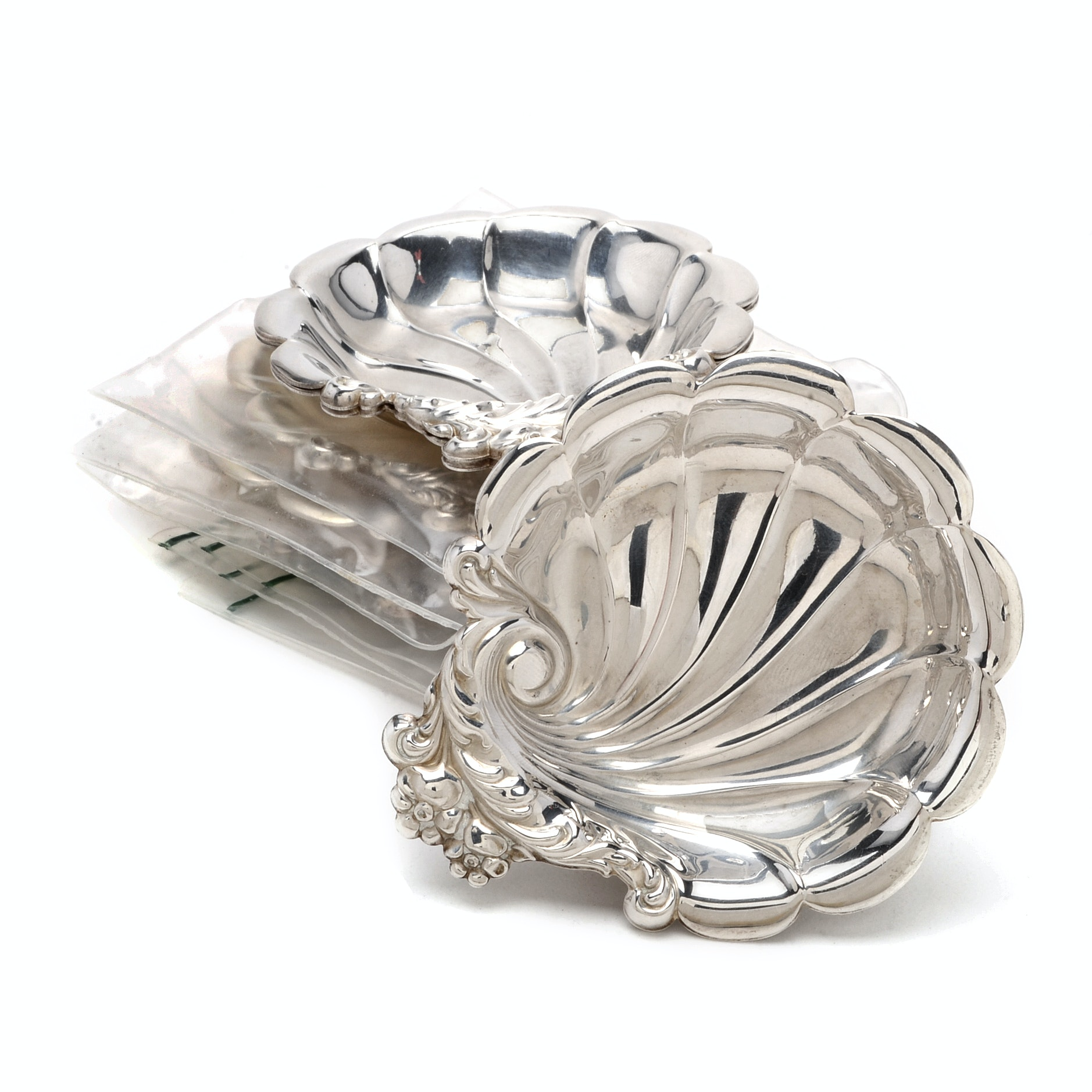 Six Lunt Silversmiths Sterling Silver Nut Dishes