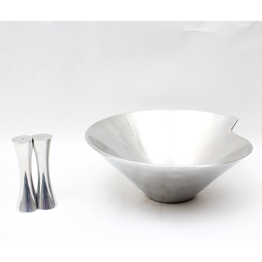 Nambe Aluminum Alloy Bowl with Salt and Pepper