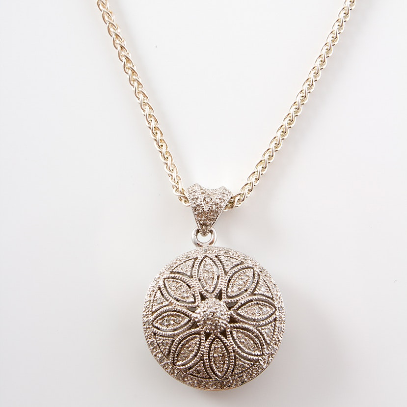 Sterling Silver Necklace with Diamond Pendant