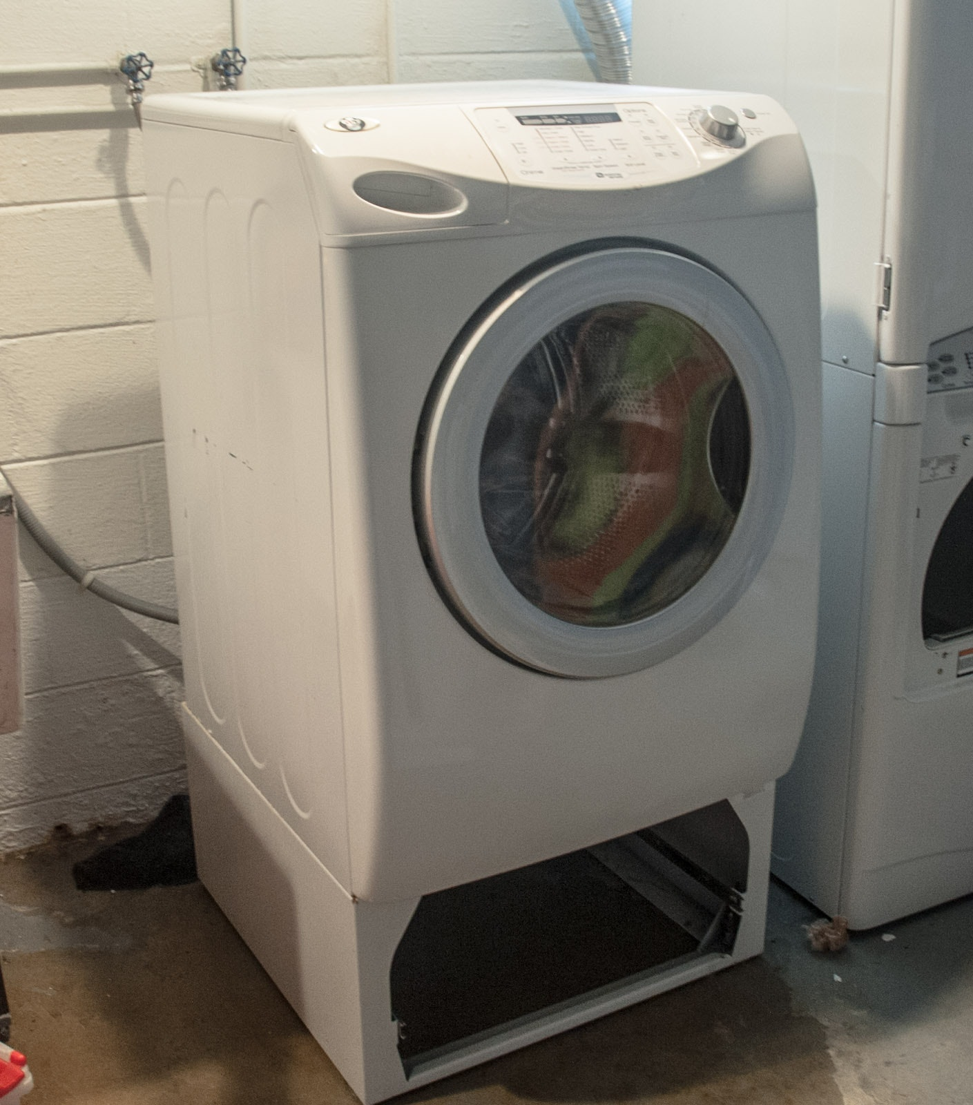 Maytag Neptune Series Washing Machine