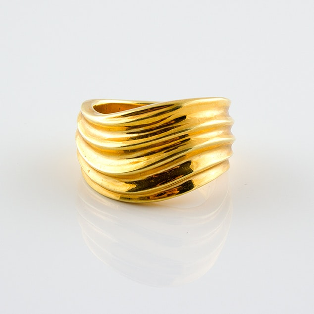 18K Yellow Gold Ring with Curved Bands