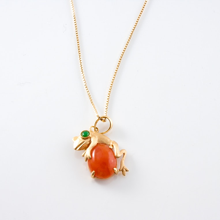 14K Yellow Gold Necklace with Dyed Jadeite and Nephrite Frog Pendant
