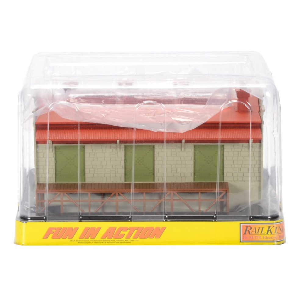 Rail King O-Scale Lighted Freight Transfer Warehouse